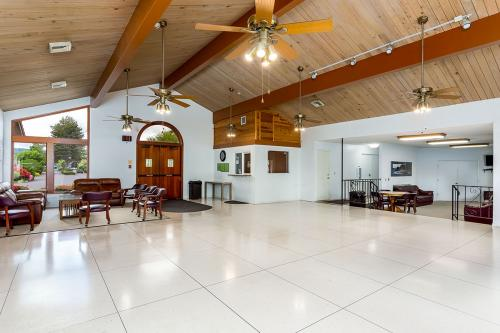 Interior shot of clubhouse